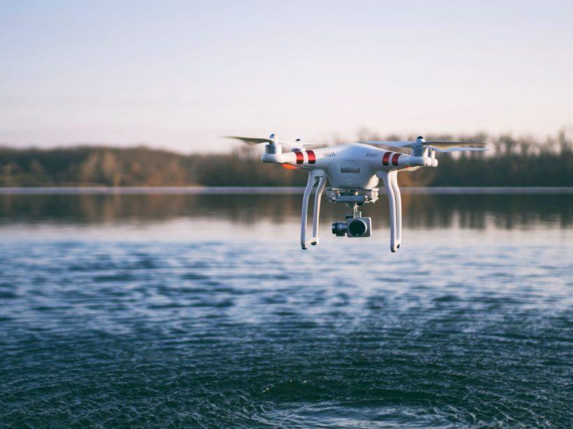 Drohne auf dem Wasser
