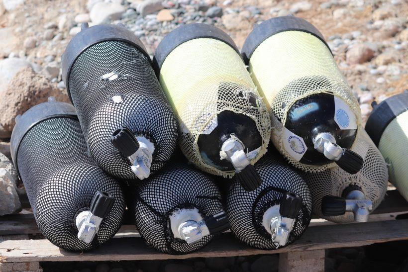 Taucherflaschen mit Atemgas